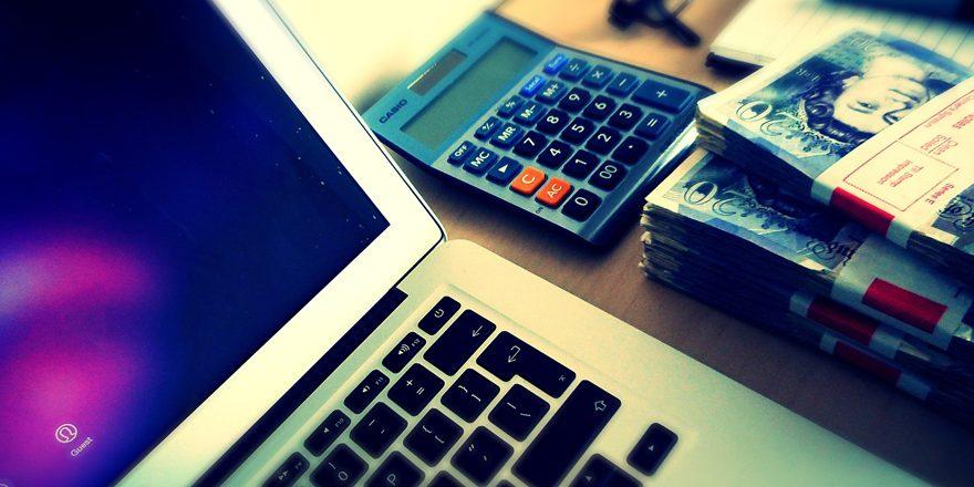 Hvis man mangler penge, kan man med fordel kigge efter lån på nettet